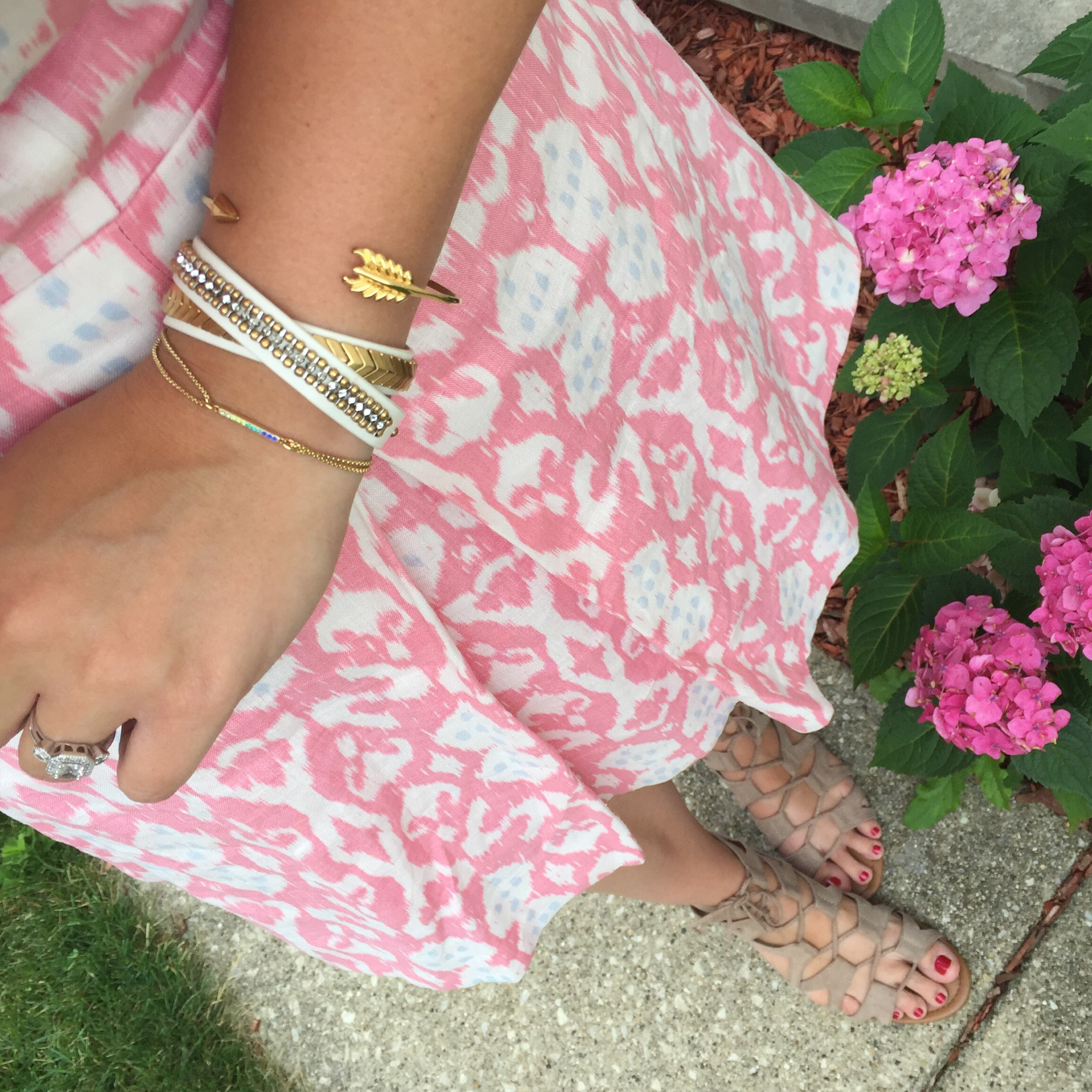 gap ikat dress, dsw lace up sandals, stella and dot bracelets, armparty, stella, dot, ootd, blogger, fashion, style, fashion blogger