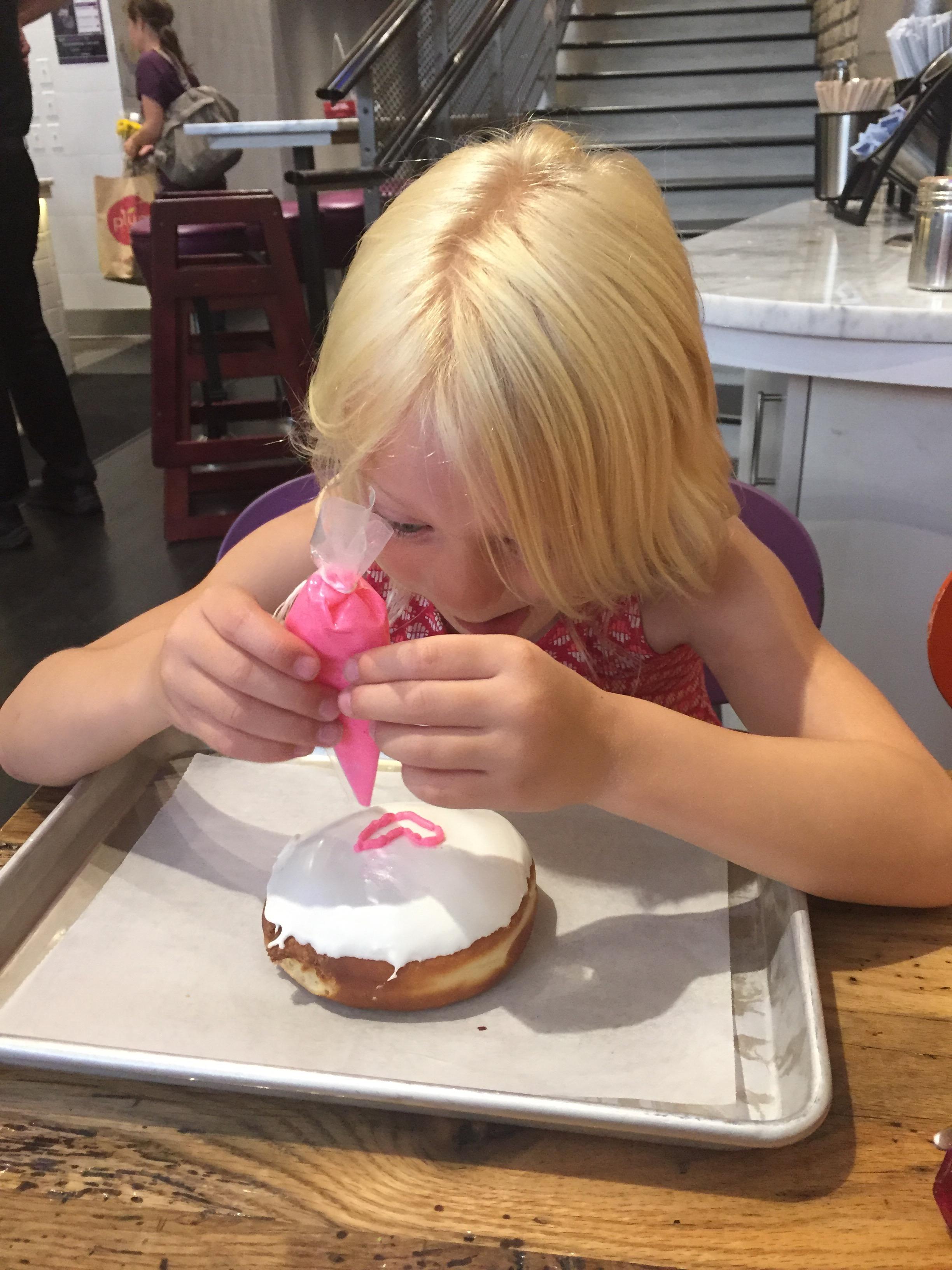 doodles donuts, doodle, donut, doughnut, chicago, chicago blogger, mommy blog, mom guilt